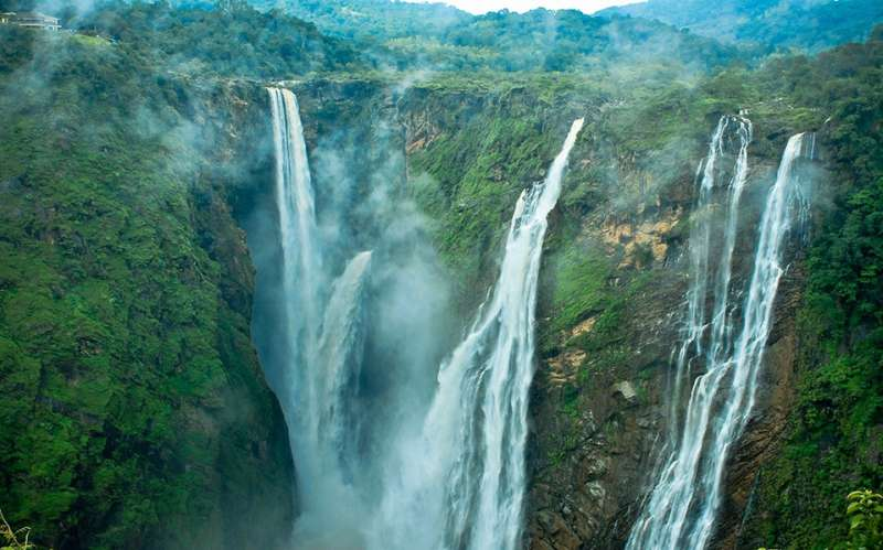 satdhara falls dalhousie
